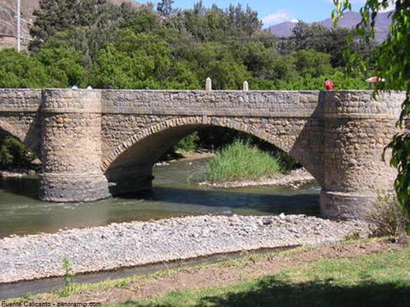 Vista del Puente Calicanto en Huánuco