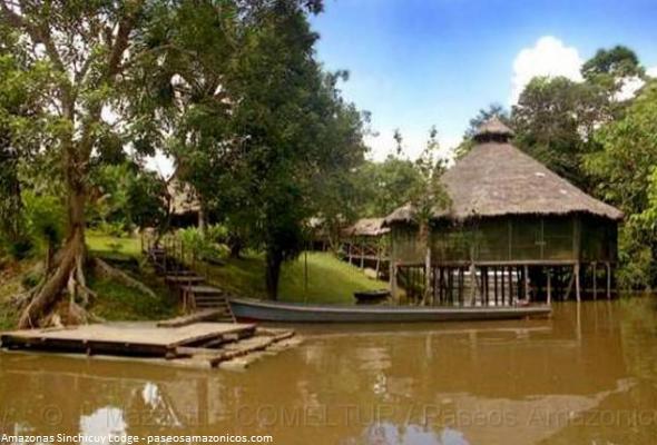 albergue en el río Amazonas