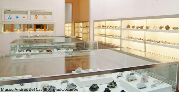 exhibición de minerales en museo de Lima
