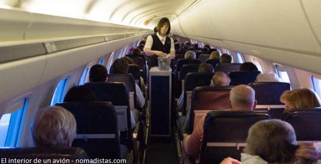 Cabina de pasajero de un vuelo nacional