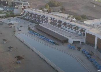 Vista general del Hotel San Agustín Paracas con su piscina en Ica
