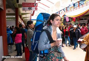 Turistas en la Semana Santa en Ayacucho, Perú