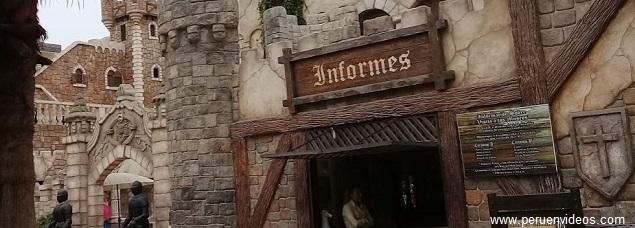 Caseta de informe con horario y costo de entrada al Castillo de Chancay