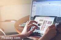 Persona navegando por Internet desde su tableta (imagen de fancycrave1 de Pixabay)