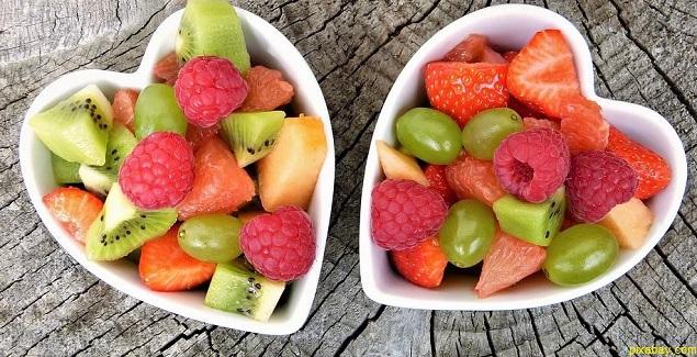 Beneficios de comer frutas en el desayuno