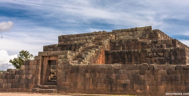 La Pirámide Ushnu en Ayacucho