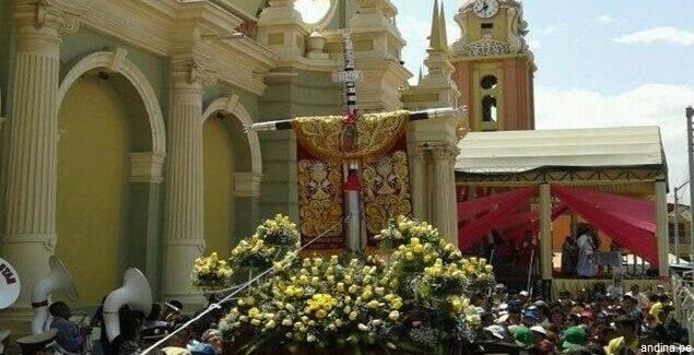 La cruz de Motupe y sus miles de fieles en Lambayeque