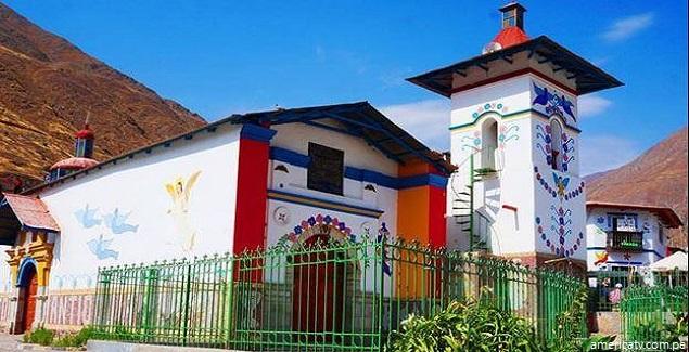 Antioquía es el Pueblo de Colores en Lima Provincias