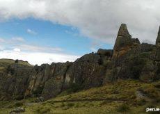 Camino al Bosque de Piedras de Cumbemayo