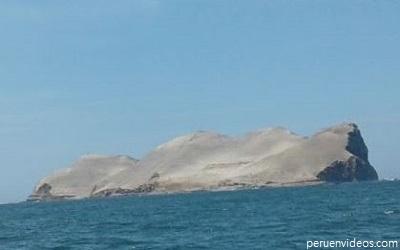 Vista completa de la Isla El Frontón frente al Callao.