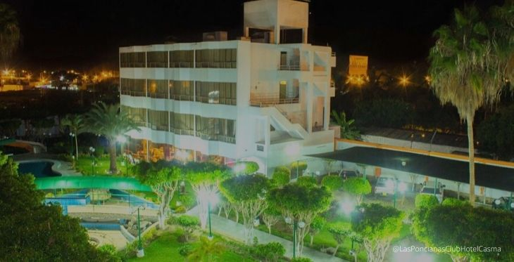 Imagen de exteriores del Hotel Las Poncianas en Casma, full tranquilidad en Ancash