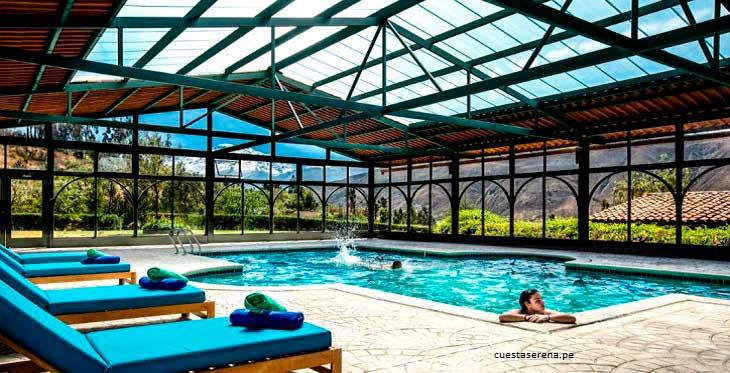 Gran piscina techada en el Hote lCuesta Serena, de Huaraz: El hotel boutique de Ancash