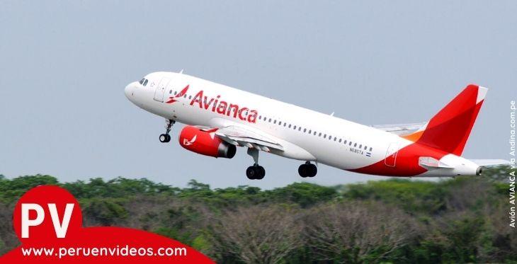 Avión de Avianca en pleno despegue