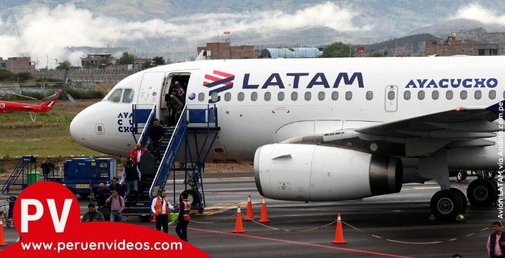Avión de LATAM Perú en el post sobre vuelos con tarifa flexible
