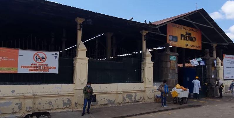 Imagen de exteriores y fachada del Mercado de San Pedro de Cusco